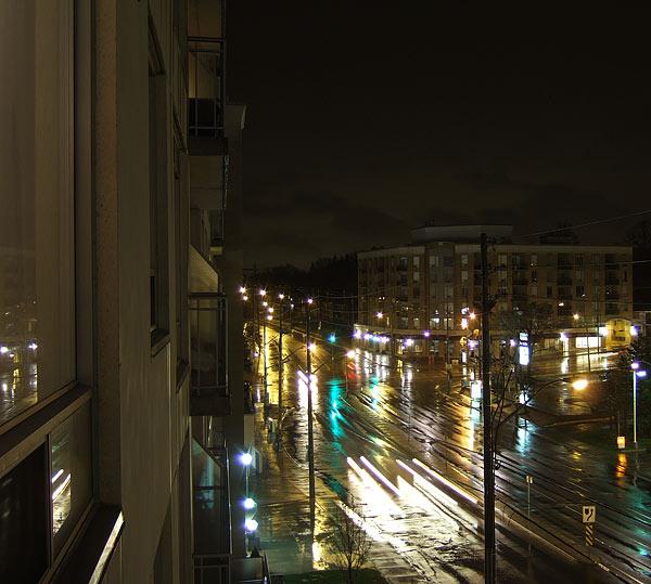 Балкон и ночной город